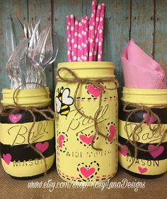 Bumble Bee decor Hand Painted Mason Jar by RosyLunaDesigns on Etsy Painted Mason Jars, Mason Jar Diy, Mason Jar Crafts, Bottle Crafts, Fun Crafts, Diy And Crafts, Cute Mothers Day Gifts, Mason Jar Projects, Biscuit