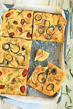 Kahden maun focaccia - Suolaiset leivonnaiset - Reseptit - Helsingin Sanomat Good Mood, Vegetable Pizza, Food And Drink, Yummy Food, Baking, Eat, Recipes, Orange Red, Onion