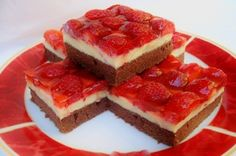 Jahodová torta s čokoládovým cestom a vanilkovým krémom! Sweet Desserts, Sweet Recipes, Dessert Recipes, Yummy Snacks, Yummy Food, Hungarian Recipes, Sweet Cakes, Cake Cookies, Cheesecake