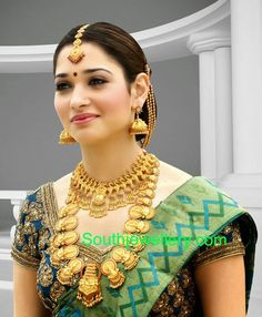 Tamanna in Traditional Gold Jewellery - Indian Jewellery Designs Beautiful Girl Indian, Most Beautiful Indian Actress, Beautiful Saree, Beautiful Actresses, Beautiful Women, South Indian Actress Photo, Indian Actress Photos, Indian Actresses, Indian Wedding Jewelry