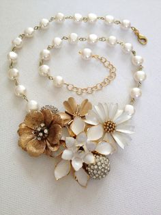 Vintage enamel flower necklace cream ivory by ChicMaddiesBoutique