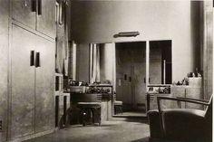 Dolores del Rio and Cedric Gibbons' Art Deco Estate in Santa Monica Santa Monica, Art Deco Hotel, Streamline Moderne, Hollywood Homes, Fantasy House, Old Art, Commercial Interiors, Art Deco Fashion, Interior Architecture