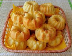 Ананасовые ромовые бабки Hungarian Cake, Savarin, Choux Pastry, Rum, Shrimp, Cake Recipes, Peach, Polish, Favorite Recipes