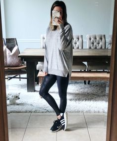 Leggings outfi outfit fashion в 2019 г. fashion outfits, leggings f Legging Outfits, Black Leggings Outfit, Cute Outfits With Leggings, Boots And Leggings, Spanx Faux Leather Leggings, How To Wear Leggings, Sweaters And Leggings, Tops For Leggings, Sporty Outfits