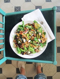 Autumn salad with plums, bluecheese and redberry-wheatbeer vinegar