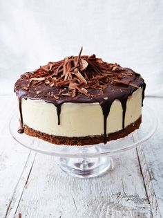"""Black forest frozen cheesecake --- """"This is a great make-ahead dessert that will definitely impress your guests! """" -- Filling of Dark cherries, clementines, cream cheese, cream (Jamie Oliver) Chocolate Butter, Chocolate Biscuits, Chocolate Recipes, Chocolate Cheese, Decadent Chocolate, Frozen Cheesecake, Cheesecake Recipes, Pudding Desserts, Dessert Recipes"""