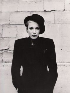 16a1a8cc30 Annie Lennox - Maybe the greatest