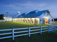 Would be a dream of mine to have this barn and board and exercise horses! That would be great horse stables Dream Stables, Horse Stables, Dream Barn, Horse Farms, My Dream Home, Future House, My House, Future Farms, Horse Ranch
