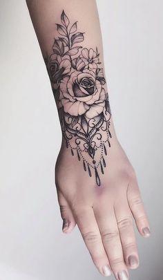 20 Pictures of Female Wrist Tattoos - Pictures and Tattoos tatoo feminina - tattoo feminina delicada Best Sleeve Tattoos, Cute Tattoos, Amazing Tattoos, Tattoo Avant Bras, Make Temporary Tattoo, Custom Temporary Tattoos, Wrist Tattoos For Women, Mandala Tattoos For Women, Mandala Tattoo Design
