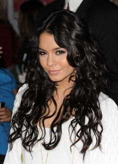 Vanessa Hudgens Hair // Lots of layers // Straight bangs