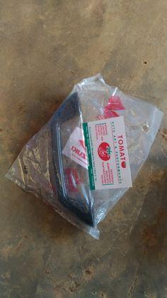 Jual Handle pull pegangan atas  -Original sgp -untuk mobil suzuki jimny katana -Bagian atas bisa , untuk depan dan belakang juga bisa  -Harga satuan/pc ,hub tomato 082210151782