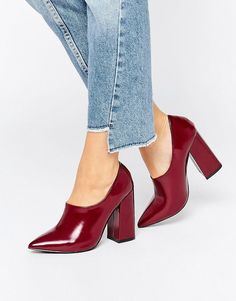 Perfect Casual Shoes from 43 of the Modest Casual Shoes collection is the most trending shoes fashion this winter. This Casual Shoes look related to ankle boots, boots, zalando and asos was… Pretty Shoes, Beautiful Shoes, Cute Shoes, Me Too Shoes, Zapatos Shoes, Shoes Heels, Red Shoes, Shoes Sneakers, Lace Up Heels