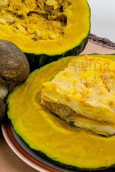 LASAGNE CON ZUCCA, SALSICCIA E FUNGHI #lasagne #zucca #salsiccia #funghi #primopiatto #ricettafacile #autunno