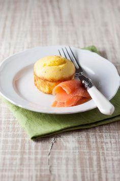Una streghetta in cucina: Sformato di polenta e robiola con salmone affumica...