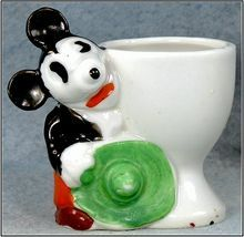 I think something is very wrong with Mickey or my acid is kicking in Mickey Mouse Eggs, Minnie Mouse, Vintage Mickey Mouse, Mickey Mouse And Friends, Vintage Egg Cups, Vintage Dishes, Vintage Easter, Ice Cup, New Egg