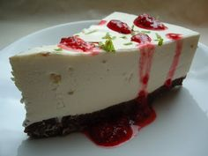 Lime Cheesecake without sugar. Lchf, Raw Food Recipes, Dessert Recipes, Biscotti Biscuits, Lime Cheesecake, Raw Cake, Pudding Desserts, Brownie Cake, Low Sugar