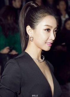 F(x) Victoria Looks Beautiful at the Dior Fashion Show in Paris Victoria Fx, Victoria Paris, Victoria Beauty, Victoria Song, Korean Beauty, Asian Beauty, Girls Group Names, Song Qian, Twice Photoshoot