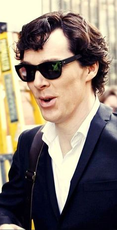 Haha. Sherlock in sunglasses. I mean technically it's Benedict in sunglasses, but it just feels comical to think about Sherlock in sunglasses. ;}