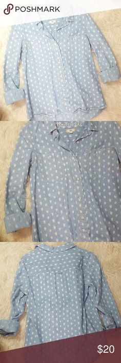 Madewell Floralbud Chambray Shirt Gently preloved no flaws.  Great classic go to piece! Madewell Tops Button Down Shirts