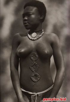 реальная королева папуаска без одежды