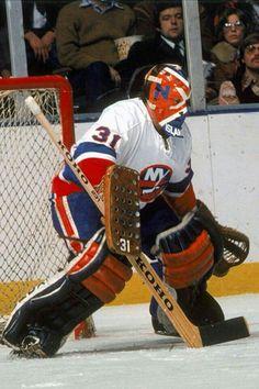 Billy Smith - New York Islanders Hockey Helmet, Hockey Goalie, Hockey Games, Goalie Mask, Wayne Gretzky, Carolina Hurricanes, New York Islanders, Masked Man, Vancouver Canucks