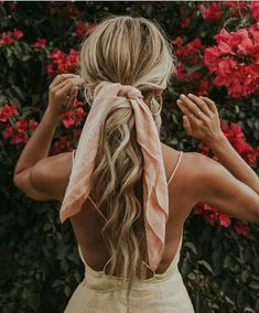 Hair Ribbons Are Underrated - What Kumquat cute hairstyles Hair Scarf Styles, Crochet Hair Styles, Curly Hair Styles, Natural Hair Styles, Bandana Hairstyles, Teen Hairstyles, Summer Hairstyles, Amazing Hairstyles, Black Hairstyles