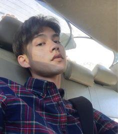 Handsome Prince, Handsome Boys, Senior Boy Photography, Bright Wallpaper, Boyfriend Photos, Imaginary Boyfriend, Bright Pictures, Chinese American, Dear Future Husband