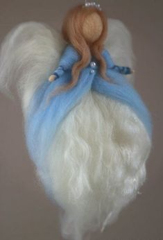 This ethereal angel was created by handblending best quality Australian Merino wool and silk, to achieve the one of a kind beautiful mix ofNeedle Felted AngelBaby Guardian Angel by CloudBerryCrafts on Etsy Wool Dolls, Felt Dolls, Felt Christmas, Christmas Angels, Felt Angel, Needle Felting Tutorials, Angel Crafts, Felt Fairy, Felt Patterns