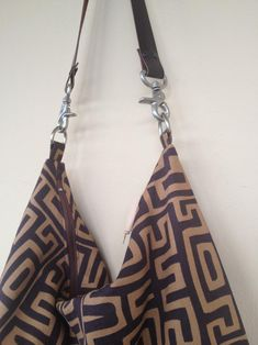 Your place to buy and sell all things handmade Cotton Bag, Cotton Fabric, Fabric Purses, Large Purses, Ethnic Print, Brown Canvas, Shoulder Purse, Hobo Bag, Printing On Fabric