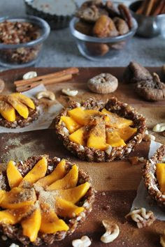 Raw food: coconut mango tarts with figs, walnuts, cinnamon + ginger (requirements: food processor). Liver cleansing raw food diet recipes for a healthy liver. Learn how to do an advanced liver flush protocol https://www.youtube.com/watch?v=UekZxf4rjqM I LIVER YOU