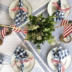Jenny Steffens Hobick: Summer Table Inspiration from Blessed Mama of Baby Girls Fourth Of July Decor, 4th Of July Celebration, 4th Of July Decorations, 4th Of July Party, July 4th, Dyi, Holiday Fun, Holiday Decor, Favorite Holiday
