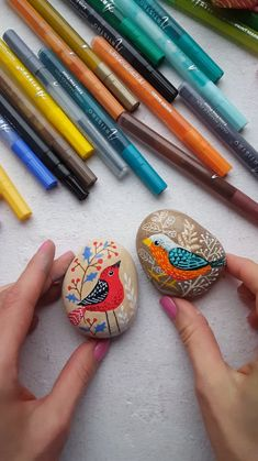 Awesome painted rocks with birds. Cool DIY video tutorial with rock painting. Step-by-step tutorial with Artistro paint pens. The Artistro Paint Pens are made with the HIGHEST QUALITY water-based ITAL Paint Pens, Paint Markers, Chalk Paint, Wood Art Design, Diy Videos, Rock Videos, Cool Diy, Stone Painting, Painting On Wood