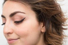 """Outstanding """"eyeliner for beginners"""" info is available on our web pages. Check it out and you wont be sorry you did. #BestEyeliner Winged Eyeliner Tutorial, Simple Eyeliner, Perfect Eyeliner, Best Eyeliner, How To Apply Eyeliner, Winged Liner, Eyeliner Waterline, Eyeliner Hacks, Eyeliner Styles"""