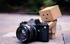 Danbo and the Camera Danbo, Miss Piggy, Best Waterproof Camera, Box Robot, Robot Art, Ar Photography, Amazon Box, Toy Camera, Camera Accessories