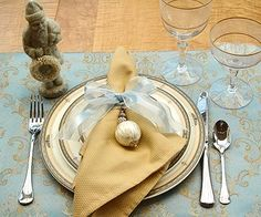 my colors, great idea for next years Christmas lunch with the girls, attaching a gift to each napkin.