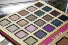 Too Faced 'A Few of My Fav Things' Palette 09