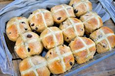 Hot cross buns are synonymous with Easter. Learn how to make your own homemade hot cross buns from scratch and you may never buy them from the store again! Cross Buns Recipe, Bun Recipe, Pasta Maker, Hot Cross Buns, Ginger And Honey, Homemade Pasta, Dry Yeast, Raisin, Grocery Store