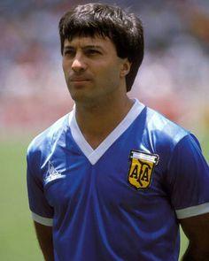 Julio Olarticoechea.Campeón Mundial con la Selección Argentina en FIFA World Cup México 1986. Campeón con River Plate en Torneo Nacional 1981. Campeón con Racing Club de Avellaneda en Supercopa Sudamericana 1988.