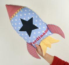 Rakete 65 cm,Raketenkissen, Kissen in Raketenform von bella & gretel auf DaWanda.com