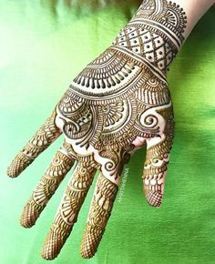 Explore latest Mehndi Designs images in 2019 on Happy Shappy. Mehendi design is also known as the heena design or henna patterns worldwide. We are here with the best mehndi designs images from worldwide. Easy Mehndi Designs, Bridal Mehndi Designs, Latest Mehndi Designs, Indian Mehndi Designs, Mehndi Designs For Girls, Mehndi Design Pictures, Mehndi Images, Mehndi Designs Front Hand, Traditional Mehndi Designs