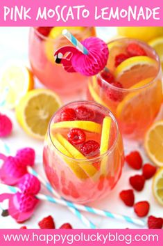 What's better than a tall glass of lemonade on hot summer day? A tall glass of Pink Moscato Lemonade! Only three ingredients are needed to make this delicious summer cocktail. Pink Moscato Lemonade Recipe, Pink Lemonade Punch, Cranberry Lemonade, Moscato Sangria, Spiked Lemonade, Lemonade Cocktail, Cocktail Drinks, Wine Slushies, Easy Cocktails