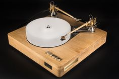 Jakutis Wooden Turntable - Oak