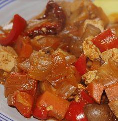 Wil jij een goulash maken? Wij hebben een heerlijk recept voor je! ✓Hongaarse stoofschotel ✓100% natuurlijk ✓Gezonde lunch Go For It, Tasty, Yummy Food, Frittata, Other Recipes, Ratatouille, Bruschetta, Food Videos, Paleo