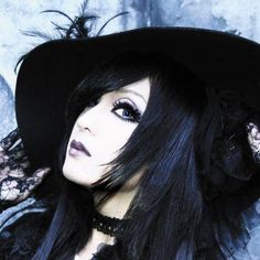Kaya // Femme Fatale // Visual Kei // Japanese // <--- Not gonna lie, I love his voice and his style. So pretty.....