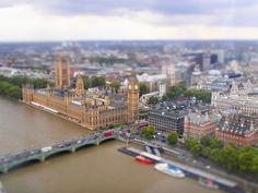 Lovely miniature looking landscapes by @mizhenka, taken from the London eye.