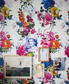 Bright Floral wallpaper