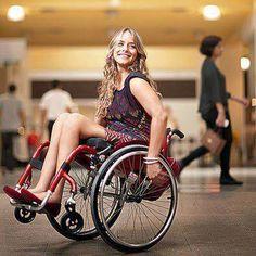 La belle du jour en ce jeudi pluvieux. « Daniel Raymond athlète en fauteuil roulant