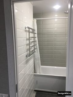 Дизайн Ванной в Хрущевке: 79 реальных фото и 7 правил ремонта Space Saving Bathroom, Alcove, Bathtub, Deco, Furniture, Home, Standing Bath, Bath Tub, Deko