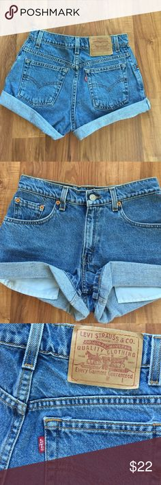Urban Outfitters Levis vintage high-waist shorts Fits a size 2!!!! Bought these from UO payed well over 50$. NEVER WORN Make an offer. Urban Outfitters Shorts Jean Shorts