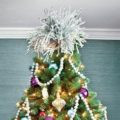 Make Your Own Sparkly Topper - 101 fresh christmas decorating ideas - Southern Living